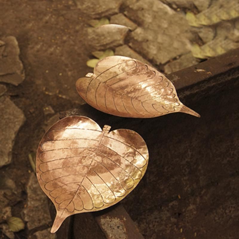 Copper Prayer Leaf Lamp